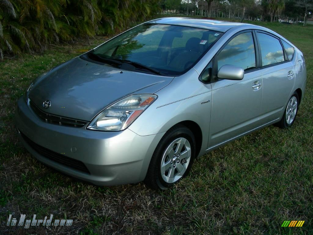 Classic Silver Metallic / Gray Toyota Prius Hybrid