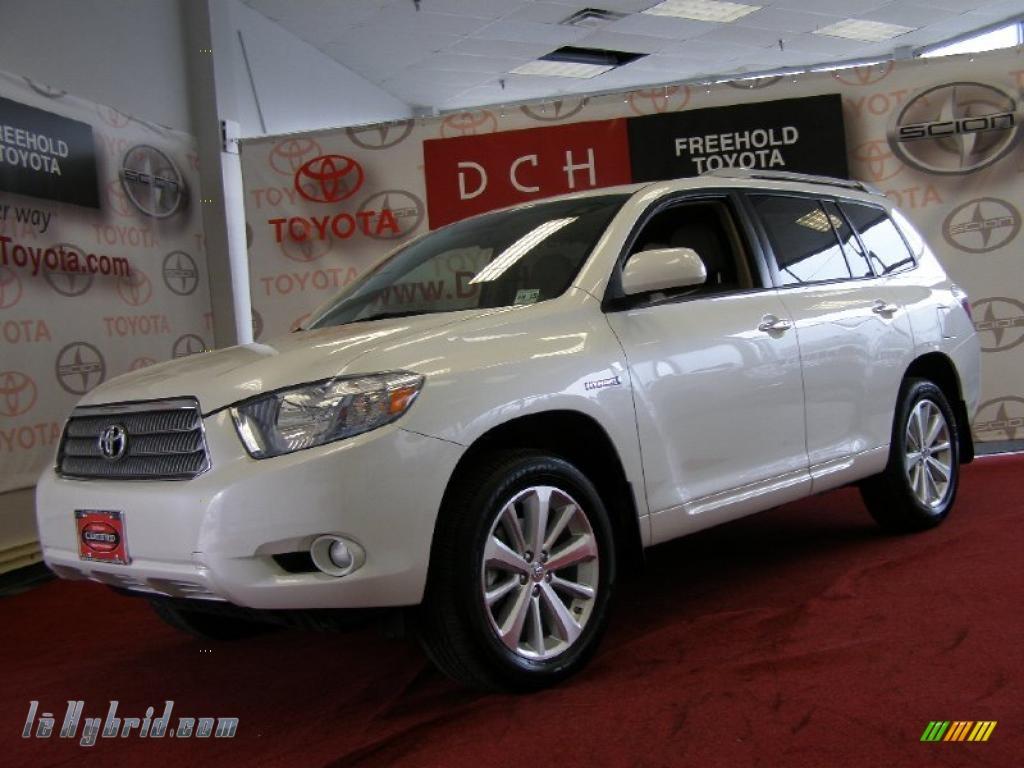 Blizzard White Pearl Sand Beige Toyota Highlander Hybrid Limited 4wd