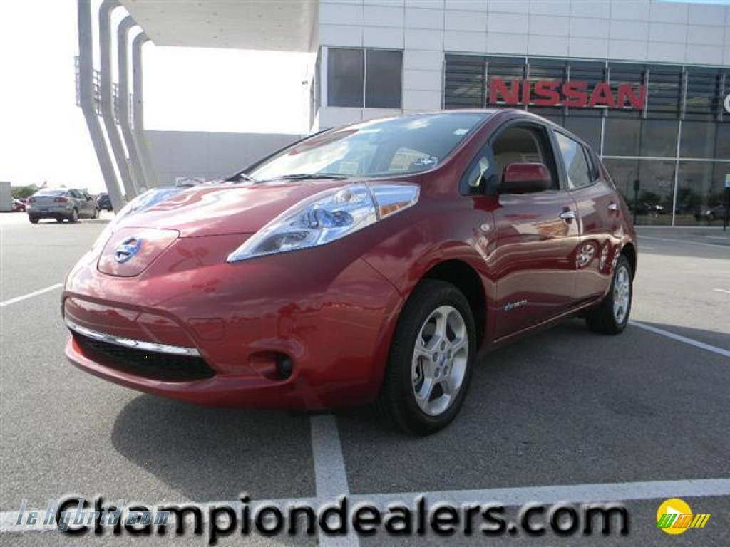 2011 LEAF SV - Cayenne Red / Light Gray photo #1