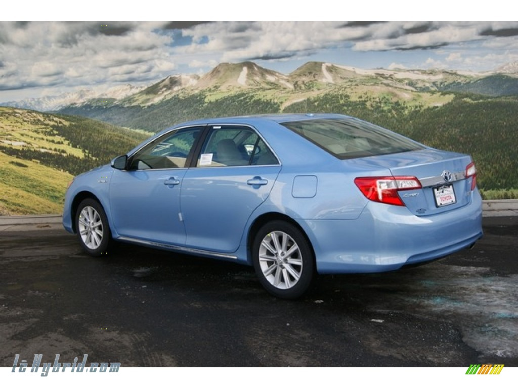 2012 Toyota Camry Hybrid Xle In Clearwater Blue Metallic