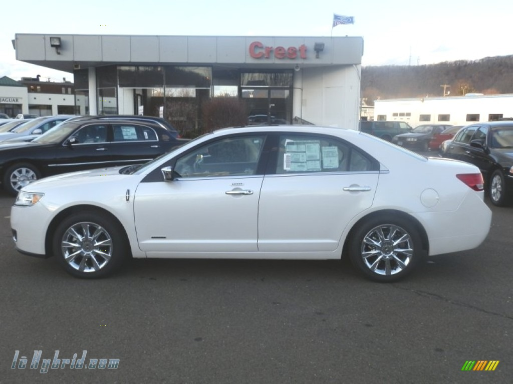 White Platinum Metallic Tri-Coat / Cashmere Lincoln MKZ Hybrid