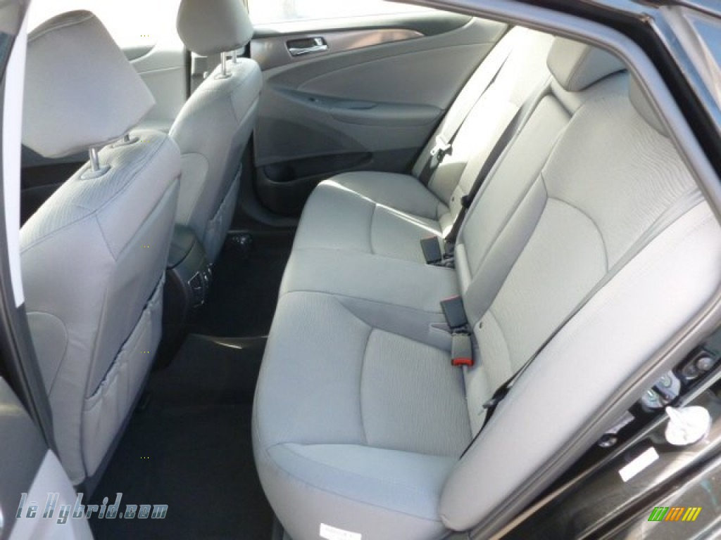 2012 Sonata Hybrid - Black Onyx Pearl / Gray photo #13