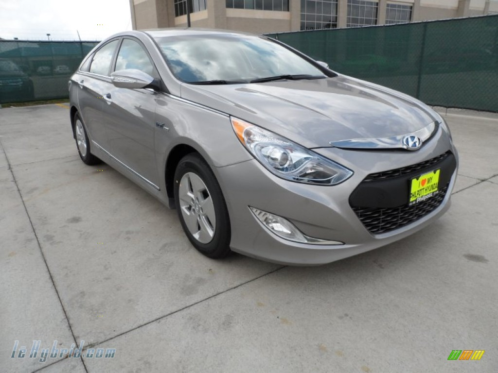 Hyper Silver Metallic / Gray Hyundai Sonata Hybrid