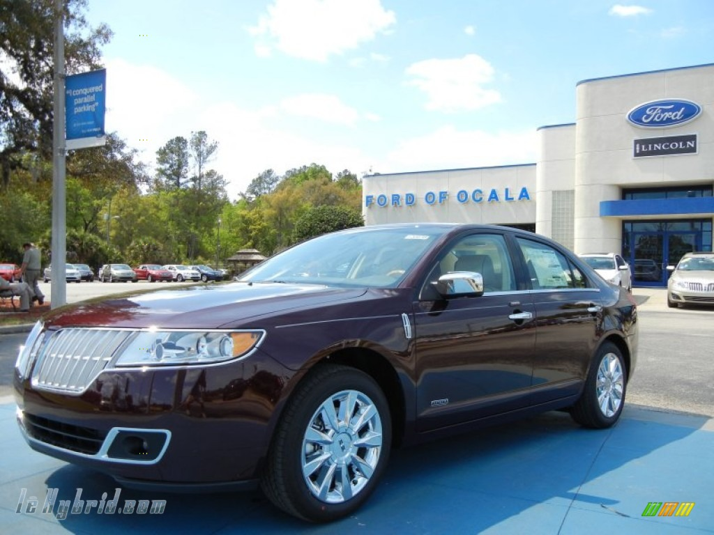 Bordeaux Reserve Metallic / Light Camel Lincoln MKZ Hybrid