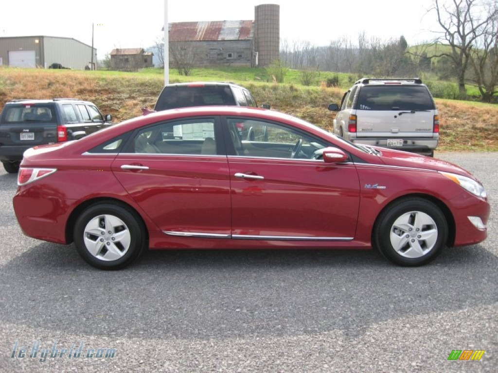 2011 Sonata Hybrid - Venetian Red / Camel photo #5