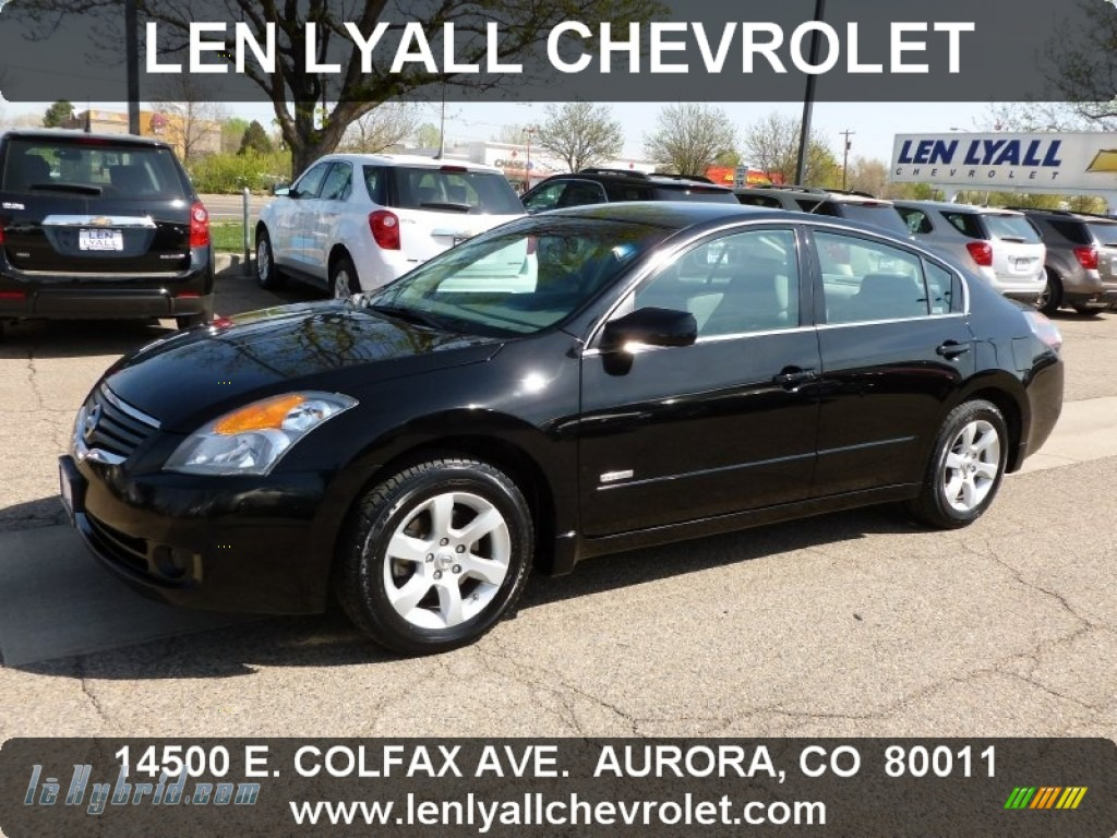 Super Black / Frost Nissan Altima Hybrid