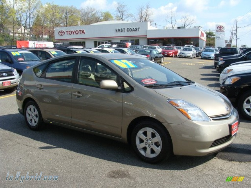 Driftwood Pearl / Bisque Beige Toyota Prius Hybrid