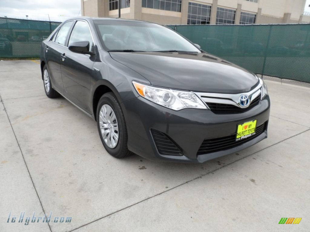 2012 toyota camry hybrid le in magnetic gray metallic 021092 hybrid cars. Black Bedroom Furniture Sets. Home Design Ideas
