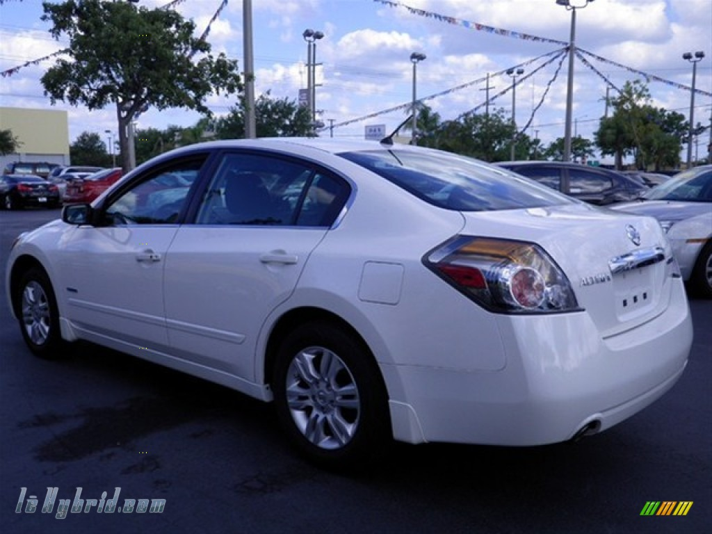 2011 nissan altima hybrid in winter frost white photo 7. Black Bedroom Furniture Sets. Home Design Ideas