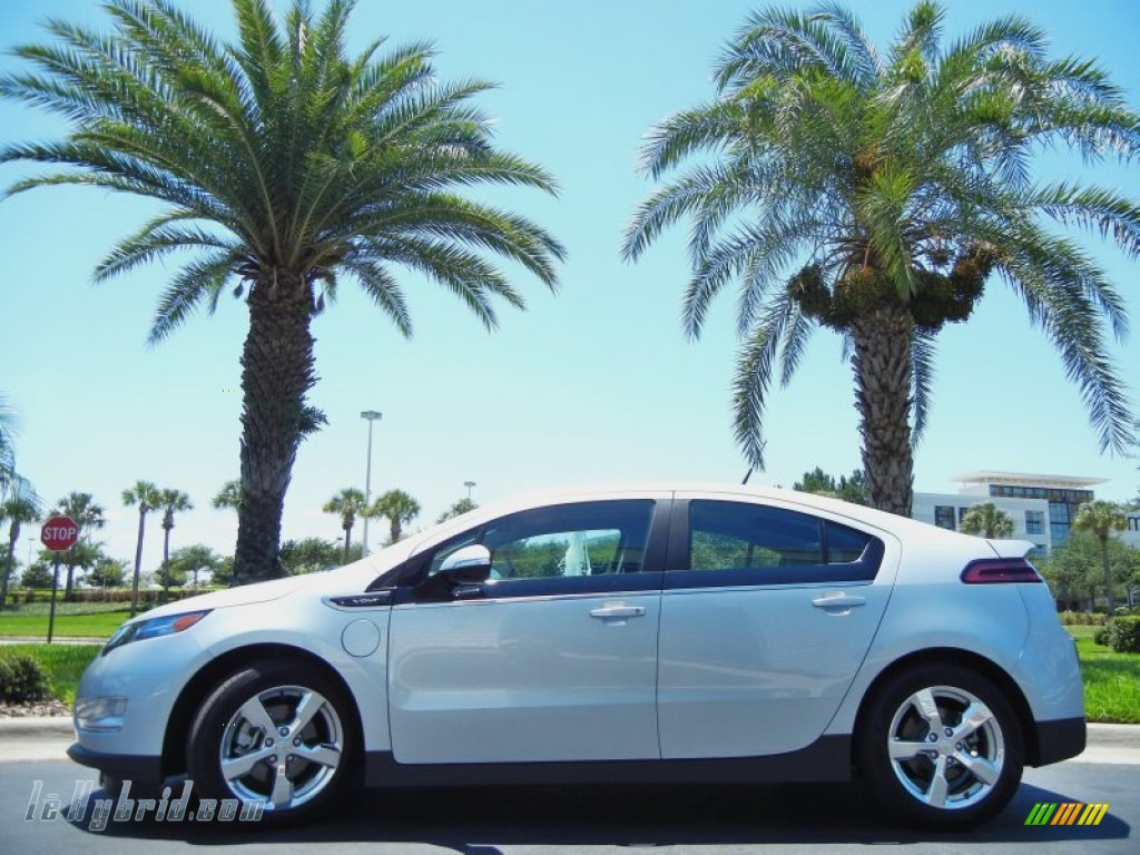 Silver Ice Metallic / Jet Black/Dark Accents Chevrolet Volt Hatchback