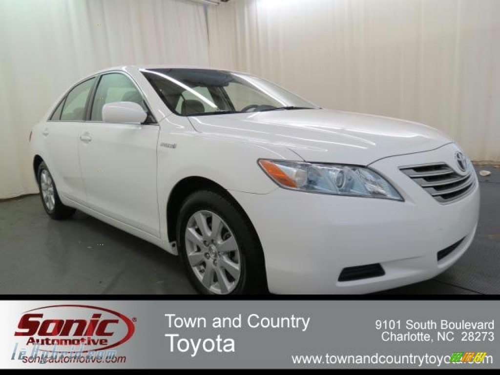Super White / Bisque Toyota Camry Hybrid