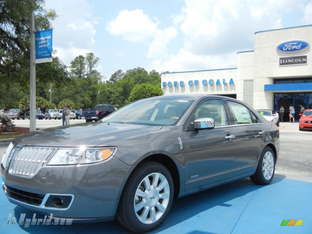 Sterling Gray Metallic / Light Camel Lincoln MKZ Hybrid