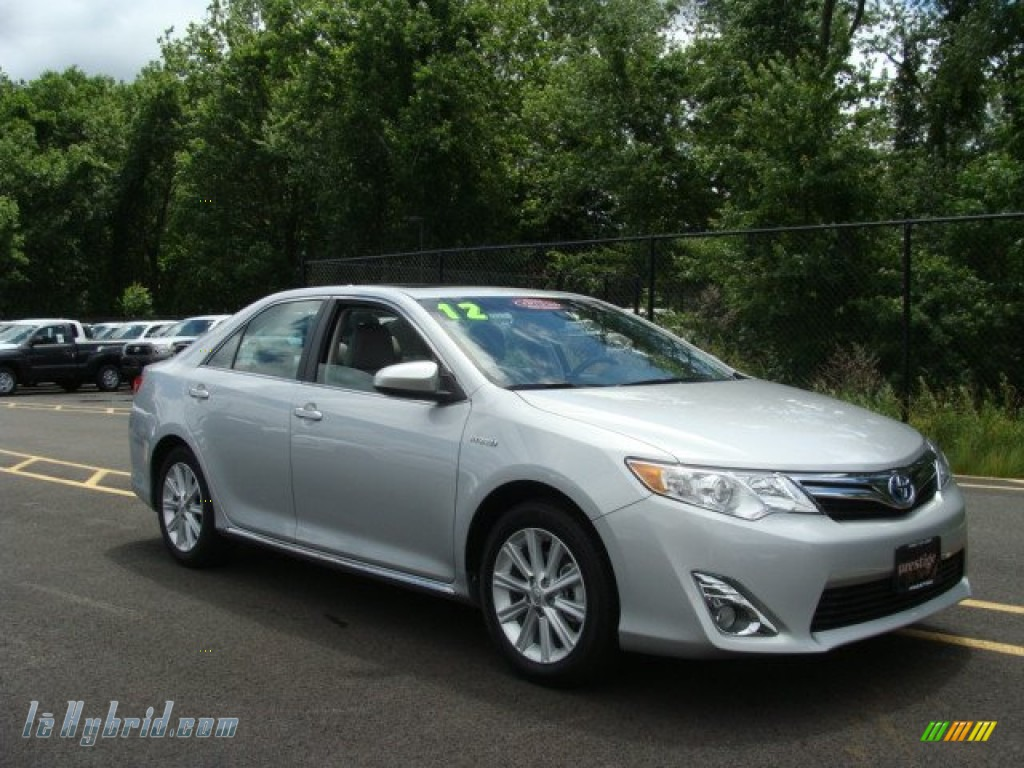 Toyota camry 20145 models l le se xle autos for Black mamba 7 3 l powerstroke crate motor