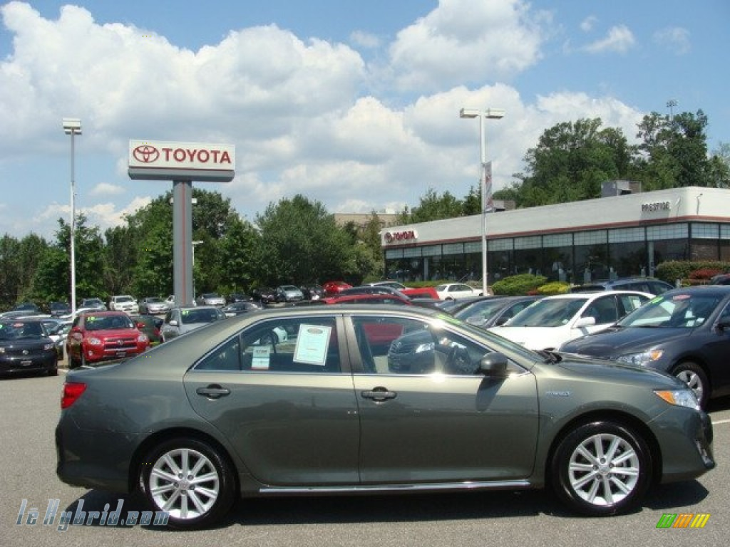 2012 Toyota Camry Hybrid Xle In Cypress Green Pearl 009966