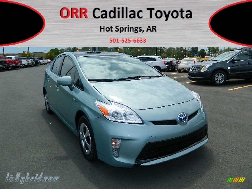 2012 toyota prius 3rd gen four hybrid in sea glass pearl photo 2 565112. Black Bedroom Furniture Sets. Home Design Ideas