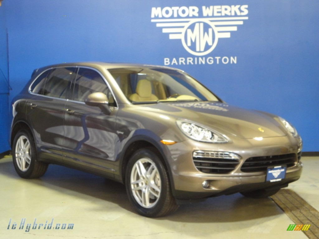 2011 porsche cayenne s hybrid in umber brown metallic for Motor werks barrington used cars