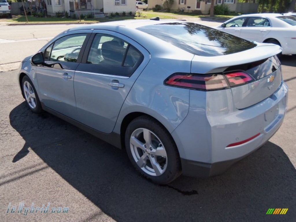 2013 Volt  - Silver Topaz Metallic / Jet Black/Ceramic White Accents photo #6