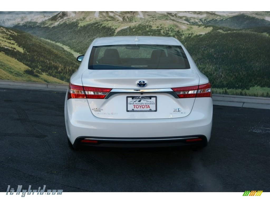 2013 toyota avalon hybrid limited in blizzard white pearl photo 7 001851. Black Bedroom Furniture Sets. Home Design Ideas