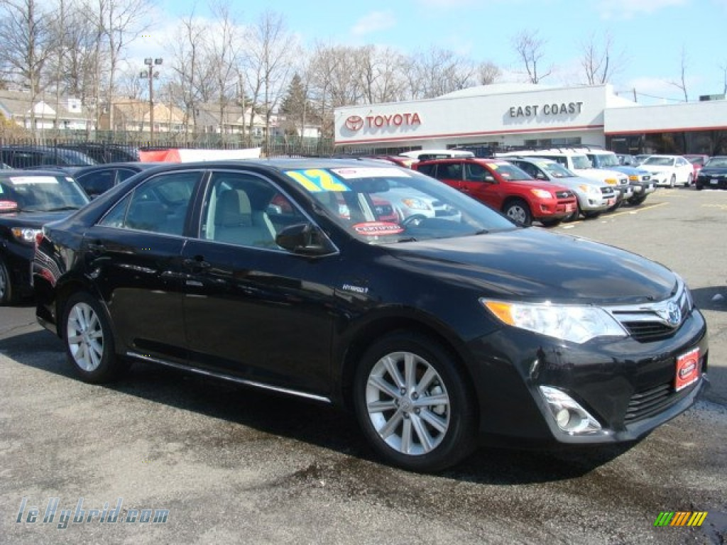 2012 toyota camry hybrid xle in attitude black metallic. Black Bedroom Furniture Sets. Home Design Ideas