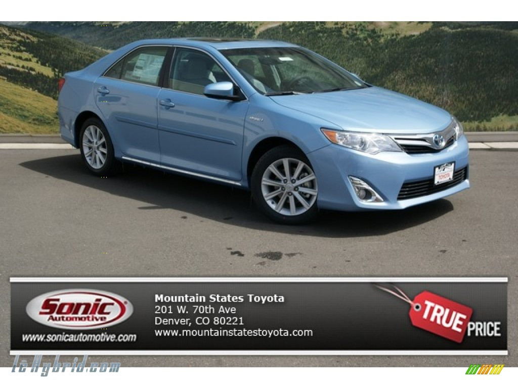 2013 toyota camry hybrid xle in clearwater blue metallic 077224 hybrid cars. Black Bedroom Furniture Sets. Home Design Ideas