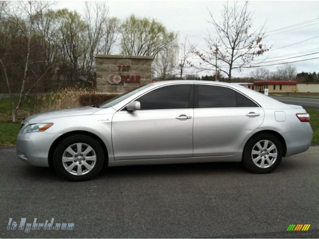 2009 toyota camry hybrid in classic silver metallic 074880 hybrid cars. Black Bedroom Furniture Sets. Home Design Ideas