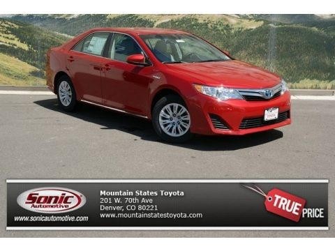 Barcelona Red Metallic 2013 Toyota Camry Hybrid LE