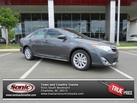 Magnetic Gray Metallic 2013 Toyota Camry Hybrid XLE