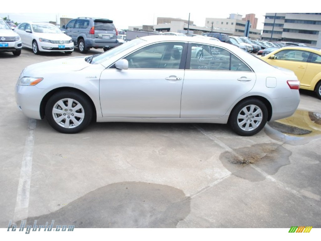2008 toyota camry hybrid in classic silver metallic photo 4 055811 hybrid. Black Bedroom Furniture Sets. Home Design Ideas