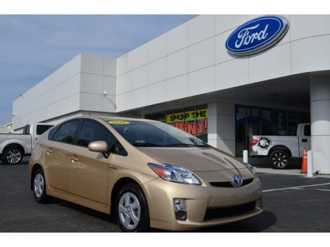 Sandy Beach Metallic 2010 Toyota Prius Hybrid II
