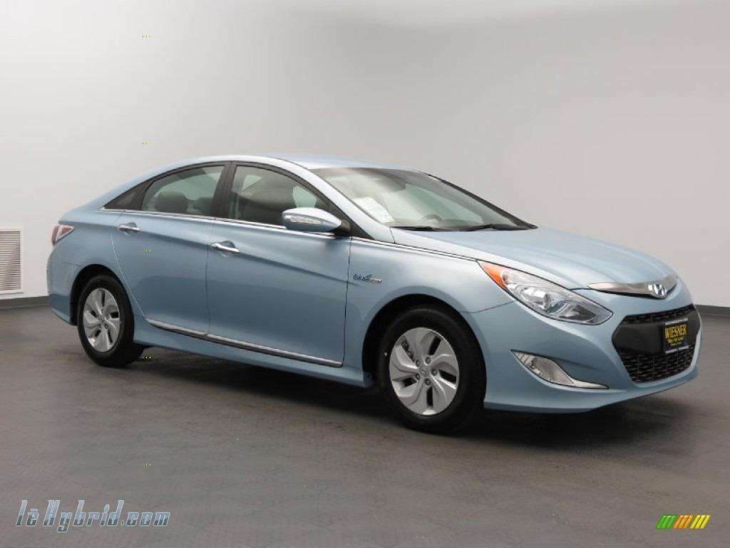 2013 Hyundai Sonata Hybrid Limited In Blue Sky Metallic