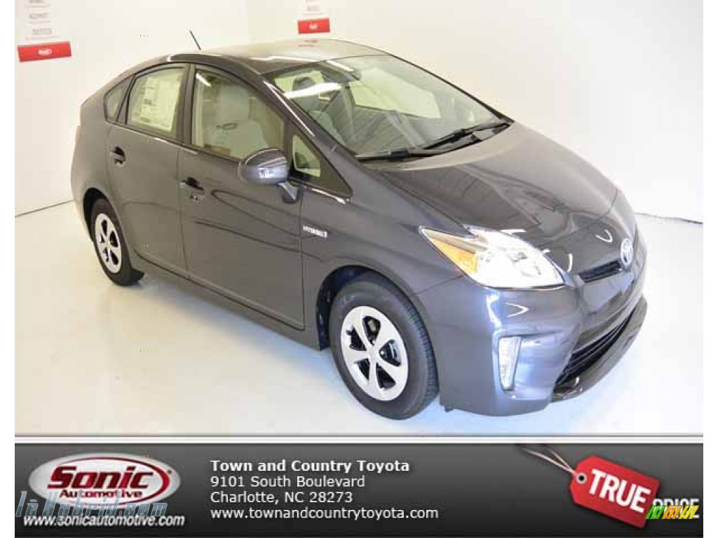 deleted listing 2013 toyota prius two hybrid in winter gray metallic 702000. Black Bedroom Furniture Sets. Home Design Ideas