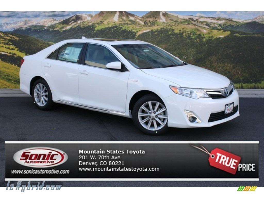 Toyota camry 2014 xle white