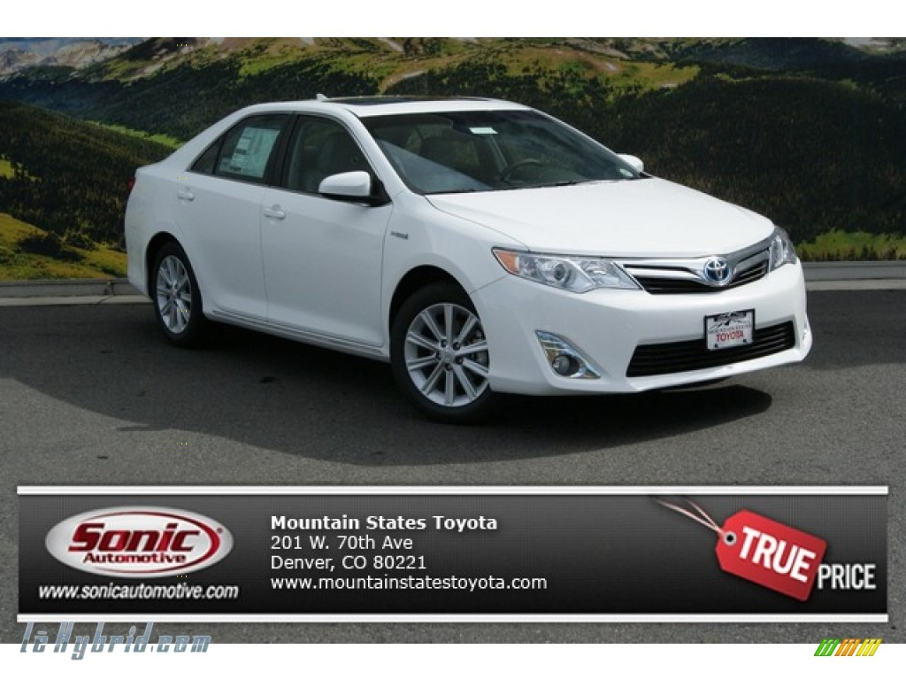 2014 toyota camry hybrid xle in super white 099217. Black Bedroom Furniture Sets. Home Design Ideas