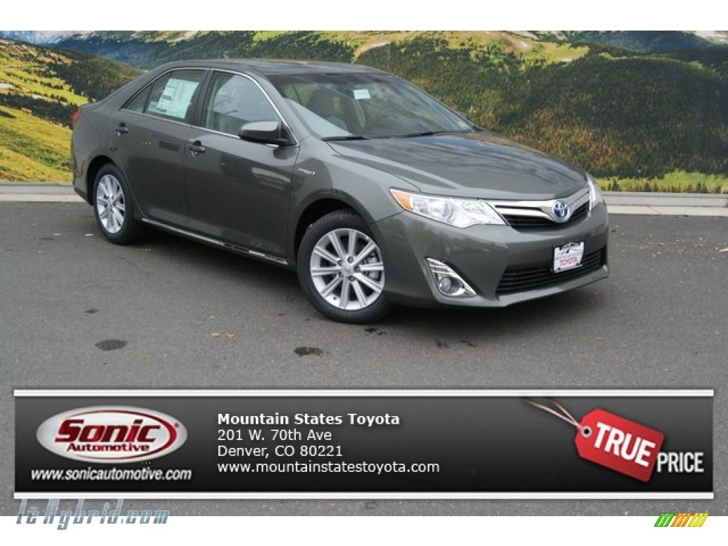 2014 toyota camry hybrid xle in magnetic gray metallic 102905 hybrid cars. Black Bedroom Furniture Sets. Home Design Ideas