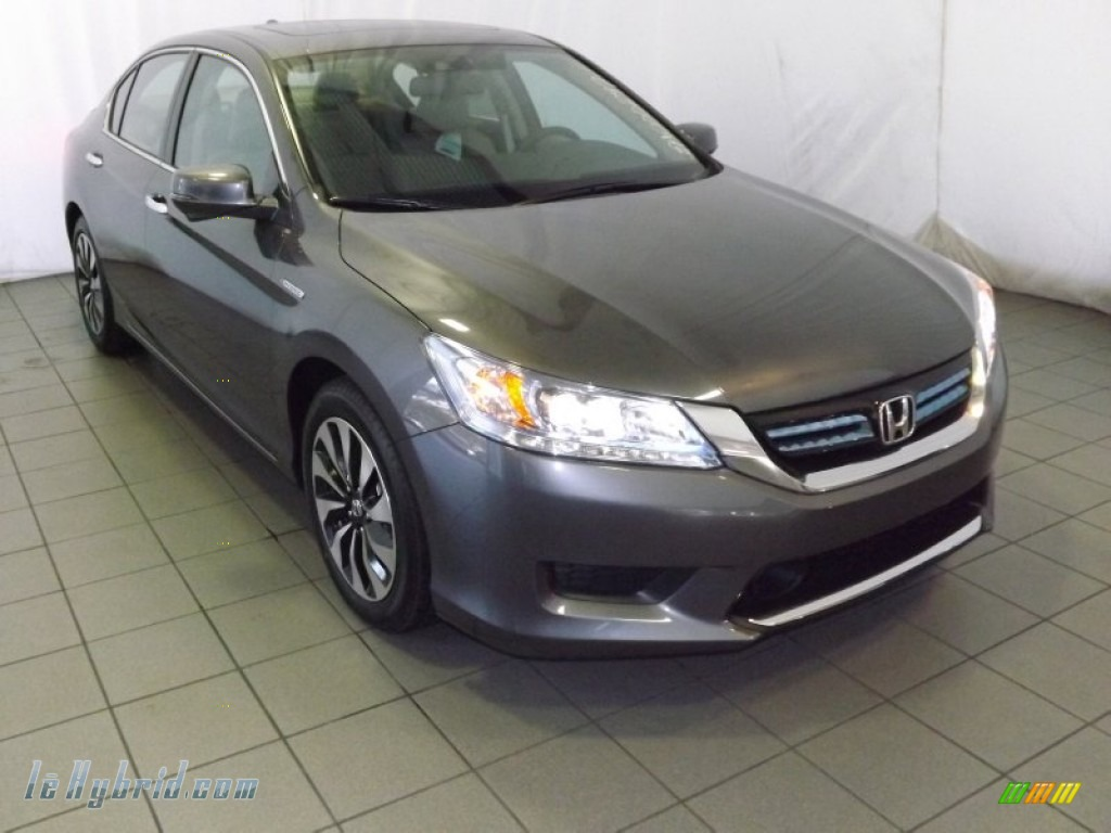 Modern Steel Metallic / Ivory Honda Accord Hybrid Touring Sedan
