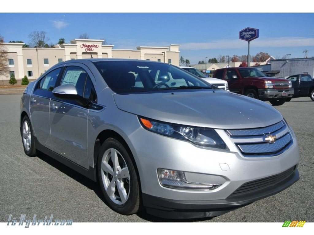 Silver Ice Metallic / Jet Black/Dark Accents Chevrolet Volt