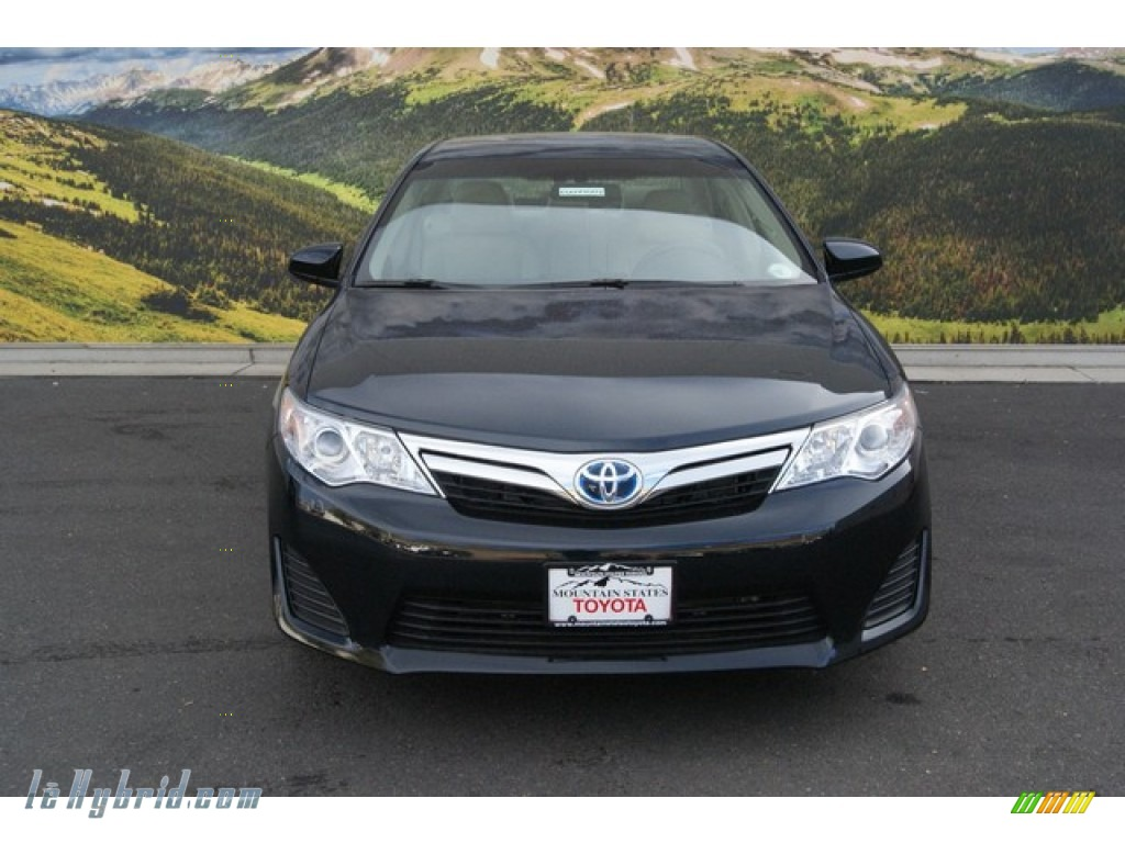 2014 toyota camry hybrid le in cosmic gray metallic photo 2 106797 hybrid. Black Bedroom Furniture Sets. Home Design Ideas