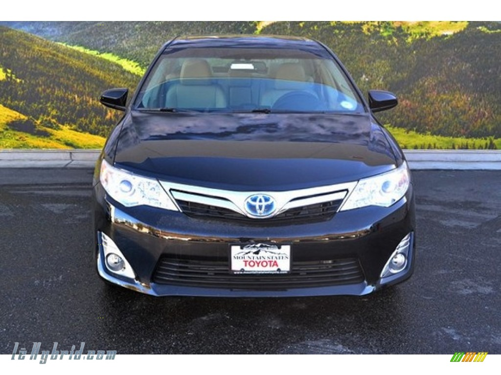 2014 toyota camry hybrid xle in attitude black metallic photo 2 107913. Black Bedroom Furniture Sets. Home Design Ideas