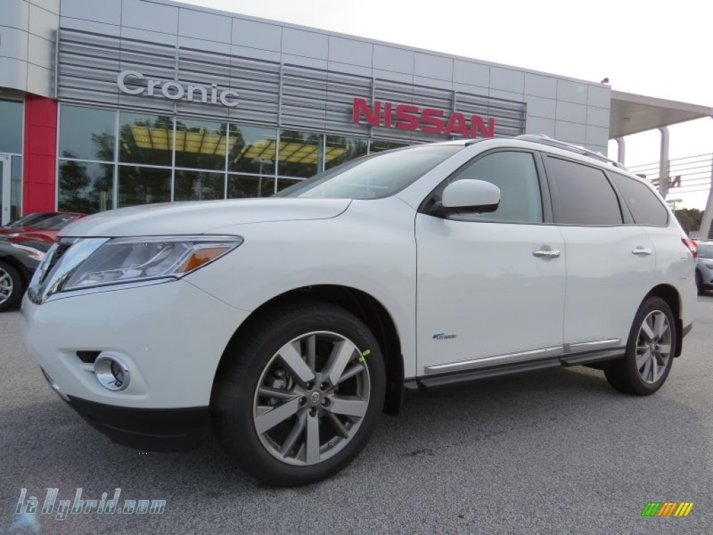 Moonlight White / Almond Nissan Pathfinder Hybrid Platinum