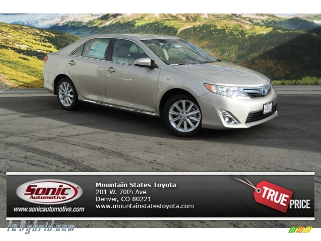 2014 Camry Hybrid XLE - Creme Brulee Metallic / Ivory photo #1