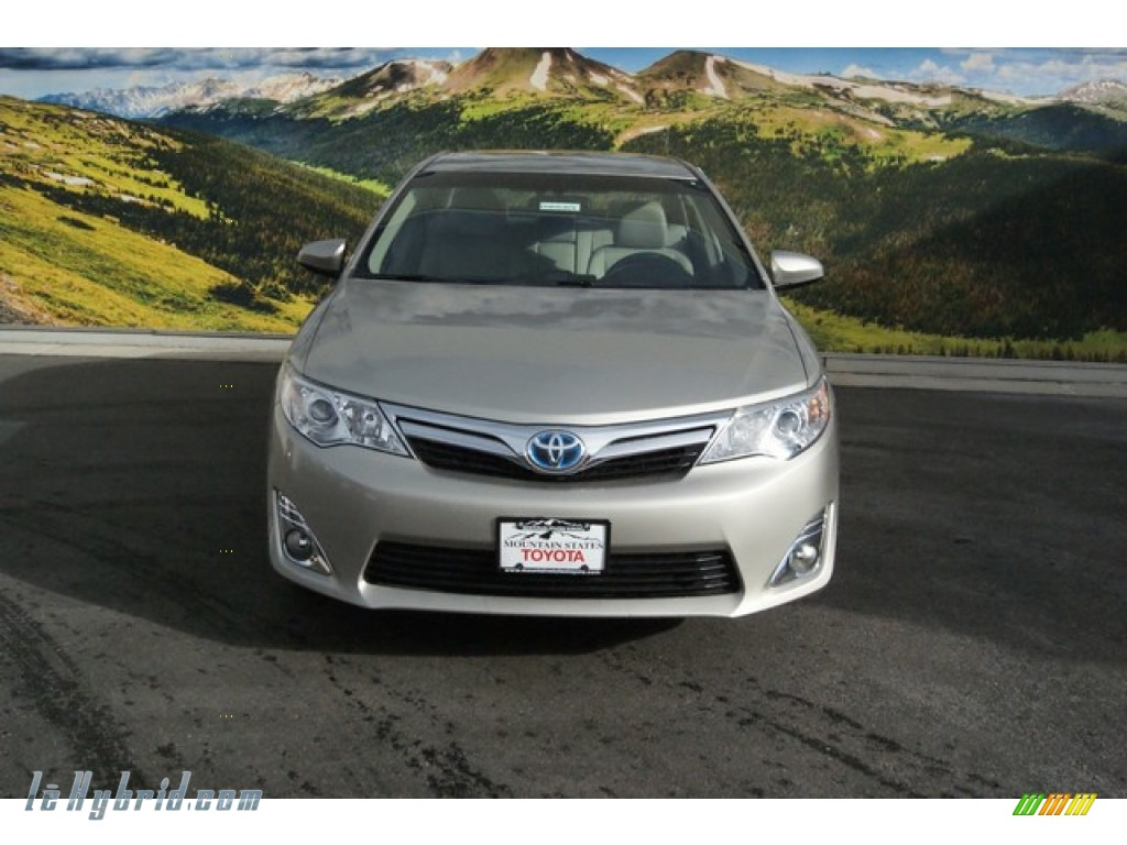 2014 toyota camry hybrid xle in creme brulee metallic photo 2 100309 hybrid. Black Bedroom Furniture Sets. Home Design Ideas