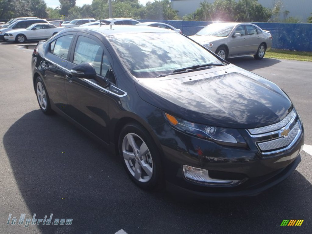 2014 Volt  - Ashen Grey Metallic / Jet Black/Dark Accents photo #1