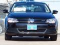Volkswagen Jetta Hybrid SE Deep Black Pearl Metallic photo #2