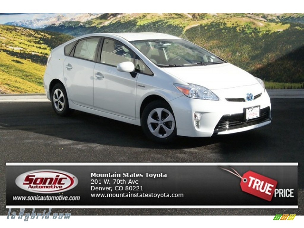 2014 Prius Three Hybrid - Blizzard White Pearl / Dark Gray photo #1
